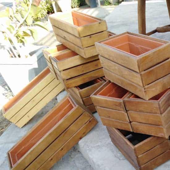 pot-jardin-bois-plastique-exterieur-moderne-tunisie
